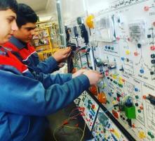 آموزشگاه فنی و حرفه ای آزاد آیندگان(صنایع خودرو)
